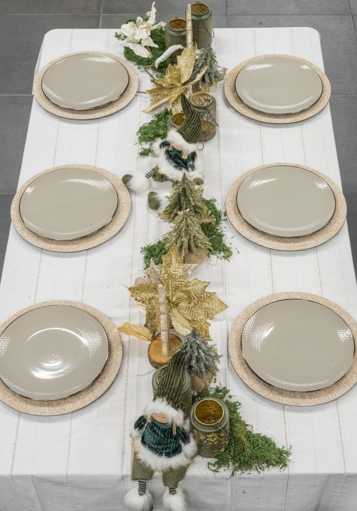 uma mesa de Natal elegante