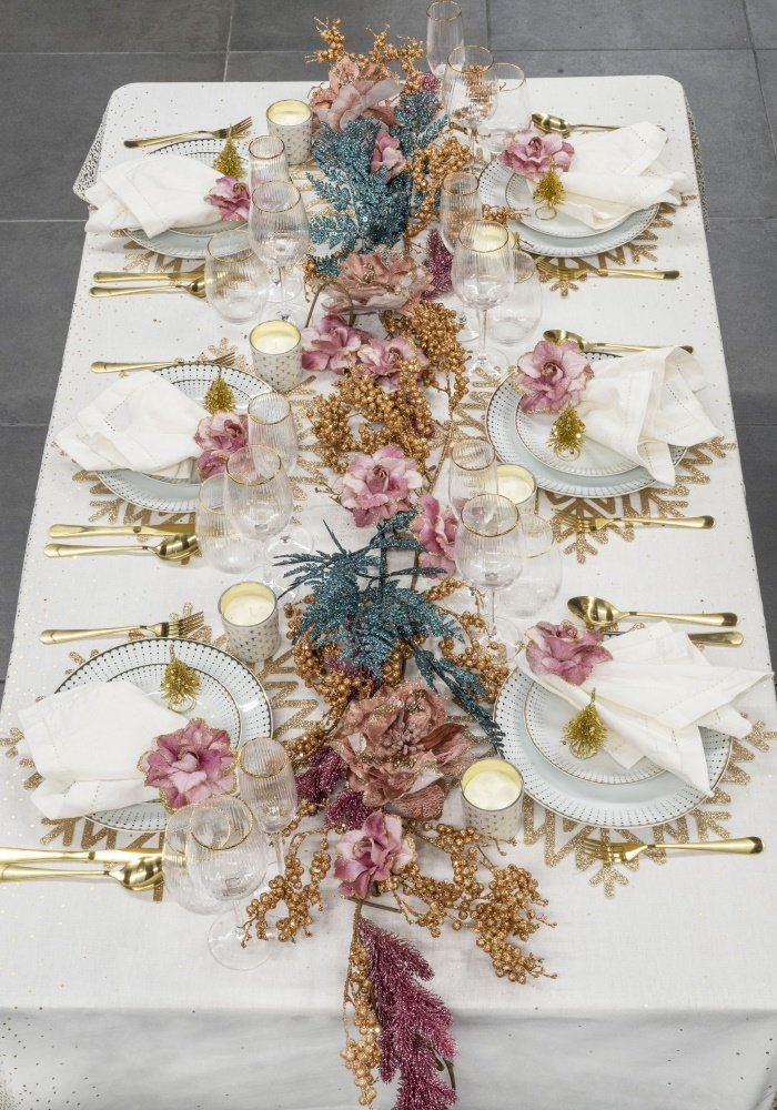 mesa natal exuberante